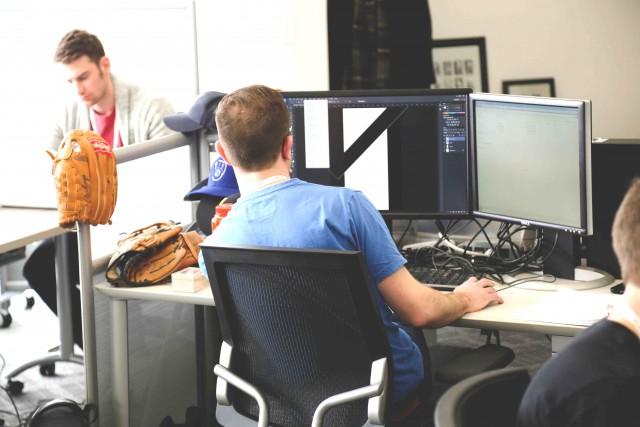 ゲームプログラマーは未経験でもなれる?求められる能力や仕事内容とは