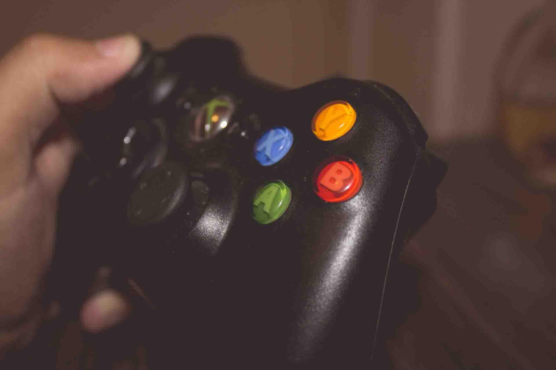 ゲームプログラマーとは何か?仕事内容・年収・将来性など徹底解説