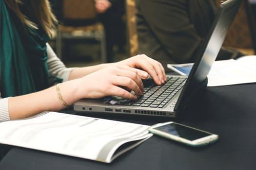 ITフリーランスエンジニアの働き方とは?必要なスキルやメリット・デメリットを解説