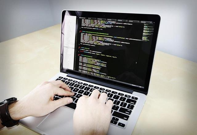 プログラミングは何歳から始めるべきか?