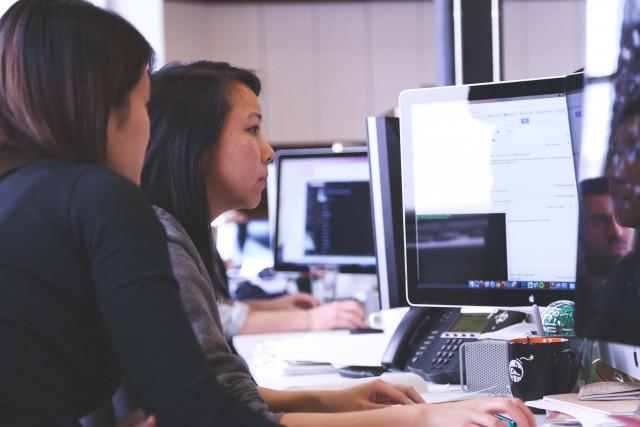 受託開発ソフトウェア業とは?業界の課題と動向を解説!