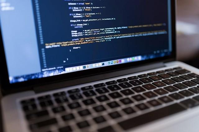 プログラミング言語はなぜこんなに数があるの?言語の違いを紹介します!