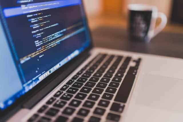 MacBookはプログラミングに向いているのか?徹底解説!
