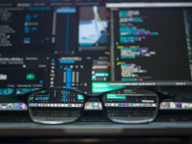 プログラミングでAI(人工知能)を開発したい!開発言語と参考書を教えます!