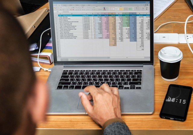 クラウド時代のデータベースエンジニアの転職とは?仕事内容から給料まで解説!